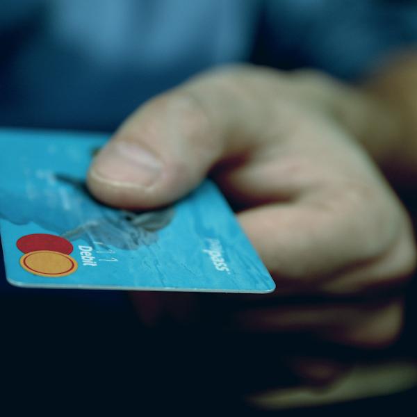 Memilih Kartu Kredit Melalui Cermati