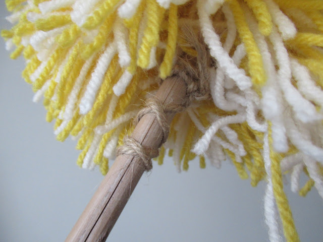 How I made my DIY, eco-friendly ish, pompom duster.  From UK eco blogger secondhandsusie.blogspot.com #eco-friendly #pompomduster #DIYduster #ecofriendlyduster #tutorial