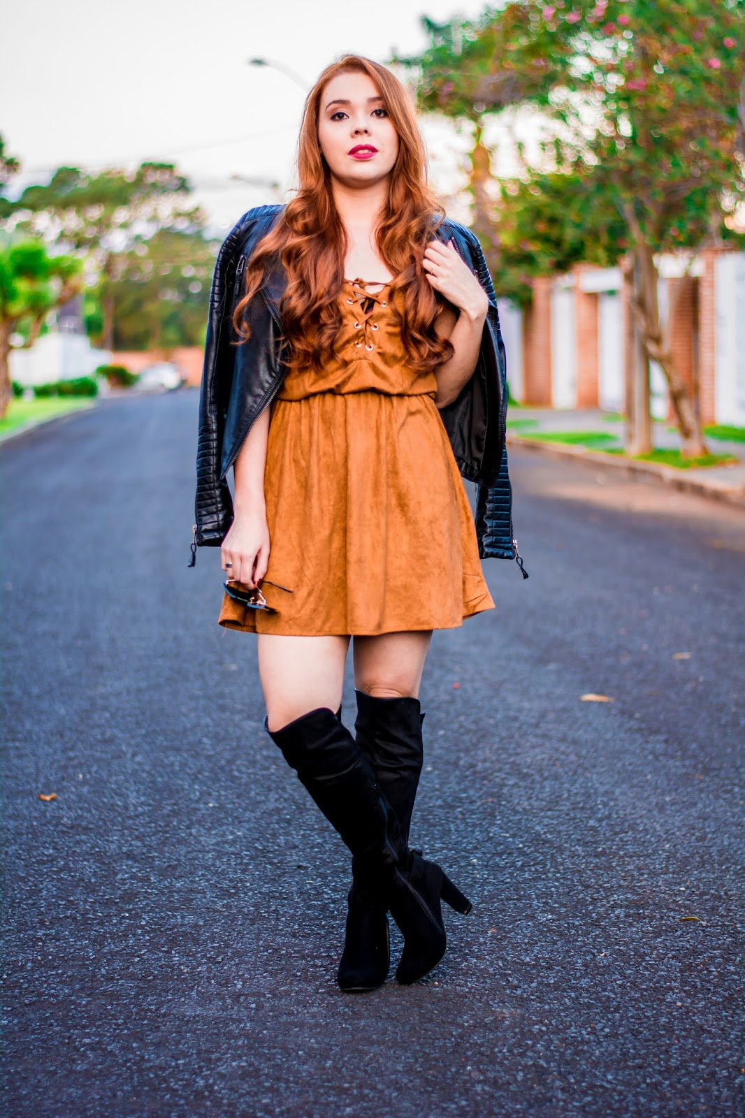 Decotti Look Do Dia Bota Over The Knee Vestido De Suede