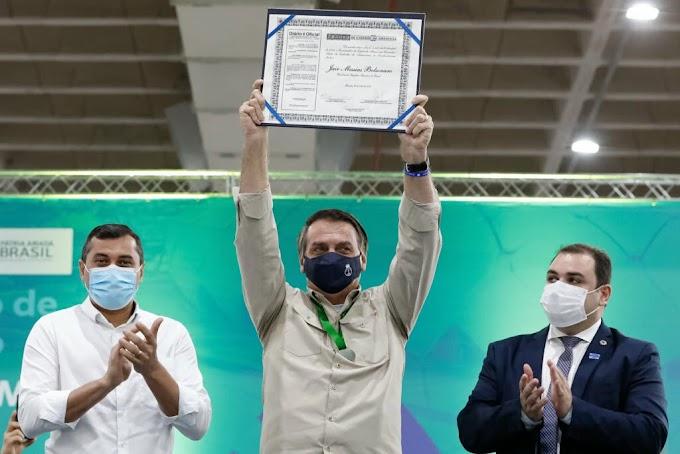 Jair Bolsonaro recebe Título de Cidadão do Amazonas