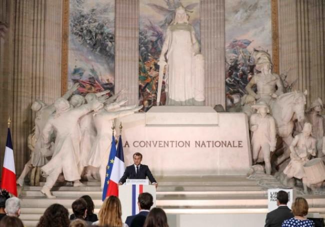 Actu-politique : La République, ennemie de la France ?