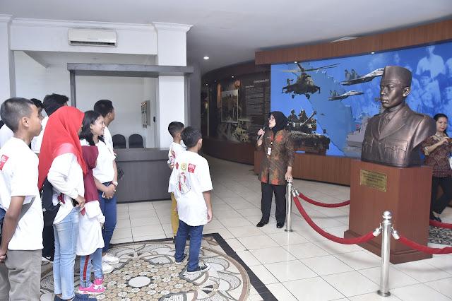 Mabes TNI Gelar Wisata Kejuangan Bagi Putra-Putri Prajurit