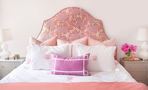 mempunyai suasana hati dan nuansa yang berbeda tergantung pada apa yang Anda inginkan Headboard Unik untuk Mempercantik Kamar Tidur