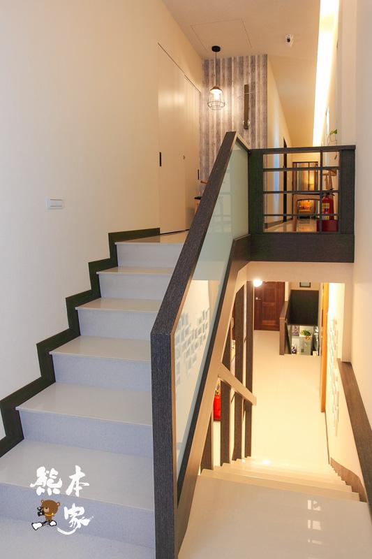 台南荷米輕洋樓|小花溜滑梯親子四人房|石燈浪漫兩人房|日居特色二人房|英倫異國風二人房|樓下是自己的房間咖啡廳
