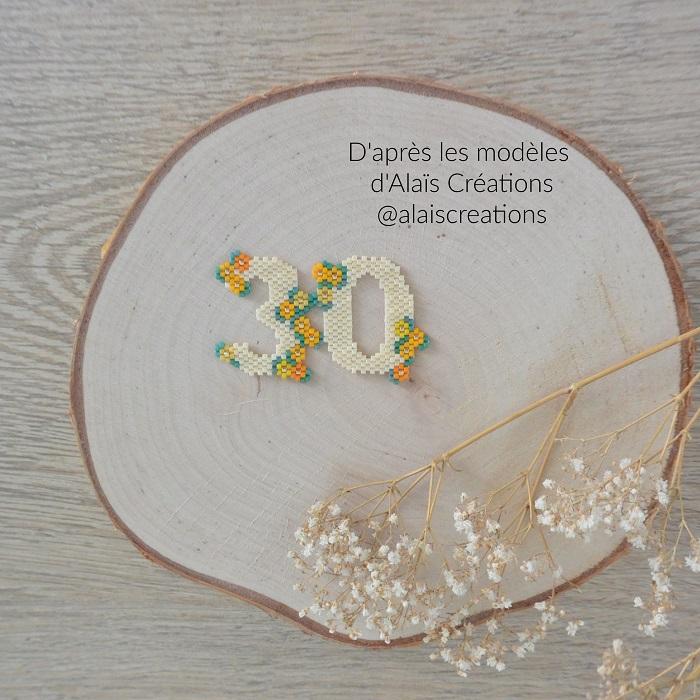 30 en perles Miyuki modèle de Alais Creations tissé en brickstitch et peyote par Hello c'est Marine
