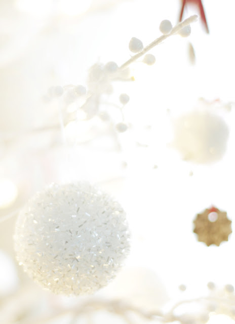 white snowy balls for Christmas tree with pom pom garland and snow ornaments