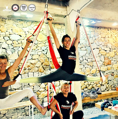 yoga aerien, aeroyoga, air yoga, fly, flying, cours, classe, seminaires, yoga, pilates, fitness, remise en forme, sante, bienetre, france, paris, aix en provence