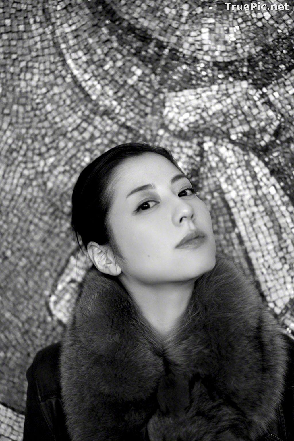 Image Wanibooks No.136 - Japanese Actress and Singer - Yumi Sugimoto - TruePic.net - Picture-3