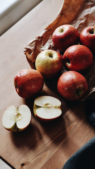 HD Wallpaper Apples, Red Fruits, Slices