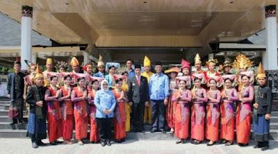 Menyambut Hari Sumpah Pemuda ,Wali Kota Siantar Adakan Tarian Buruti Siraso dari Nias