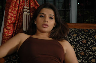 bhojpuri actress madhu sharma  Picture 3.jpg
