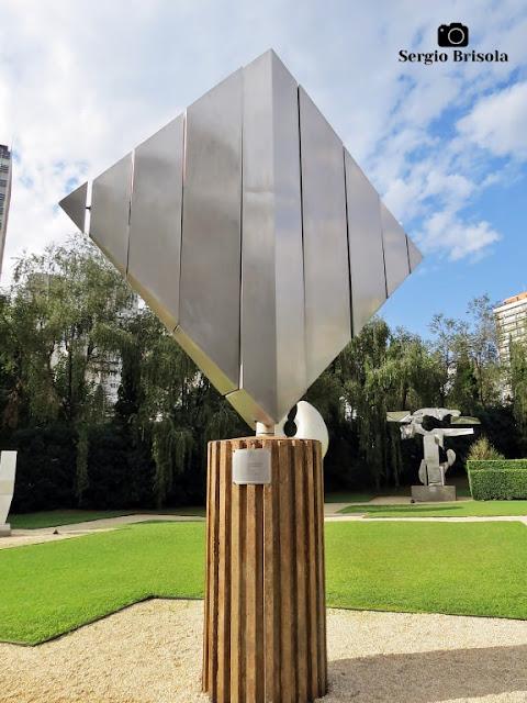 Close-up da Escultura Espaço Cósmico - MAB-FAAP - Higienópolis - São Paulo