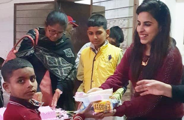 Deepa Bhatia celebrates her daughter Tanai's birthday with orphans