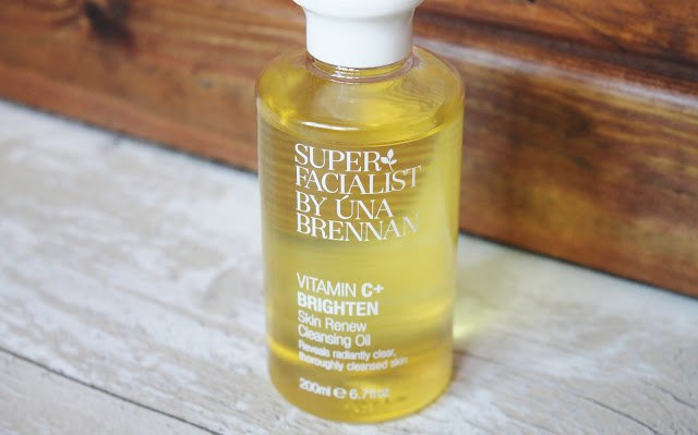 Una Brennan Vitamin C+ Brighten Skin Renew Cleansing Oil