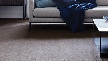 Perbandingan lantai kayu dan karpet, mana yang lebih unggul ?...