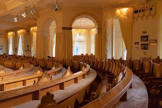 In the great hall of the Hotel Sonneberg, Guru Maharishi Mahesh Yogi taught disciples from all over the world.