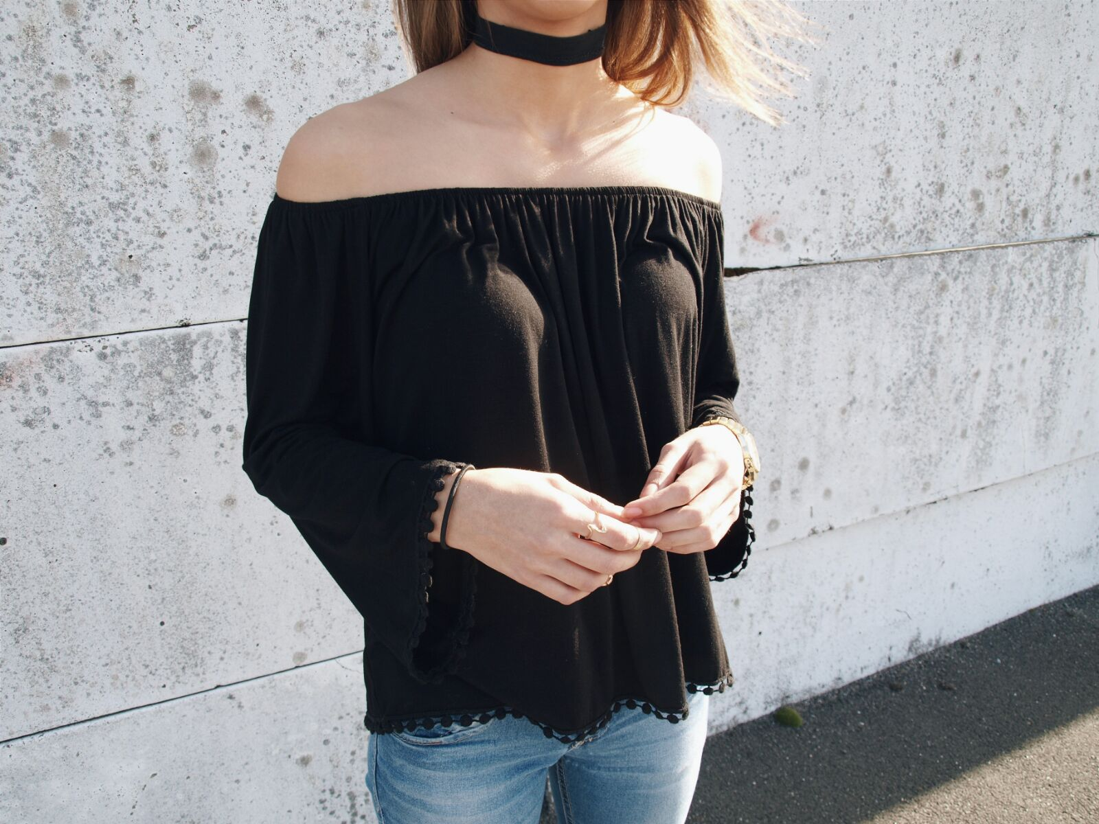 coastalandco-hendaye-blog-blogger-fashion-beauty-lifestyle-moda-mode-belleza-blue-jeans-destroy-derbies-black-shoes-girl-zara-cachecache-dark-x-denim