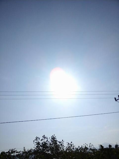 Gerhana Matahari Total Terliat Di Indonesia Dan Gambar-Gambarnya Di berbagai Daerah.