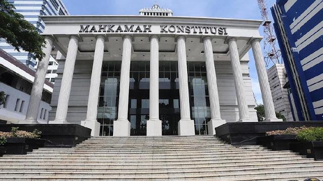 Sebut MK Goblok, OSO Disomasi Hakim Konstitusi
