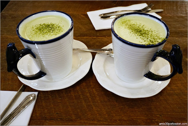Matcha Latte de la Cafetería Maman en Nomad, Nueva York