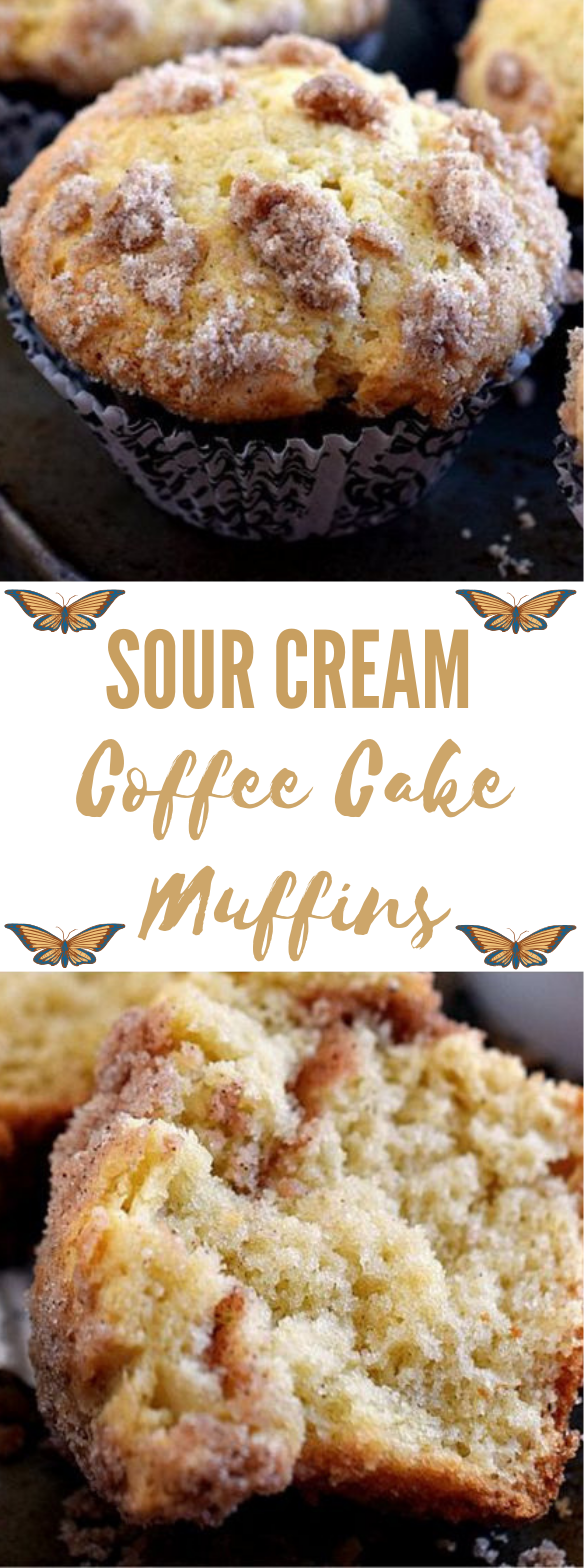 Sour Cream Coffee Cake Muffins #muffins #desserts #cakes #coffee #sugar