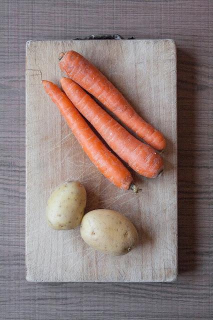 Vellutata di carote e patate, ricetta per lo svezzamento del bambino step 1