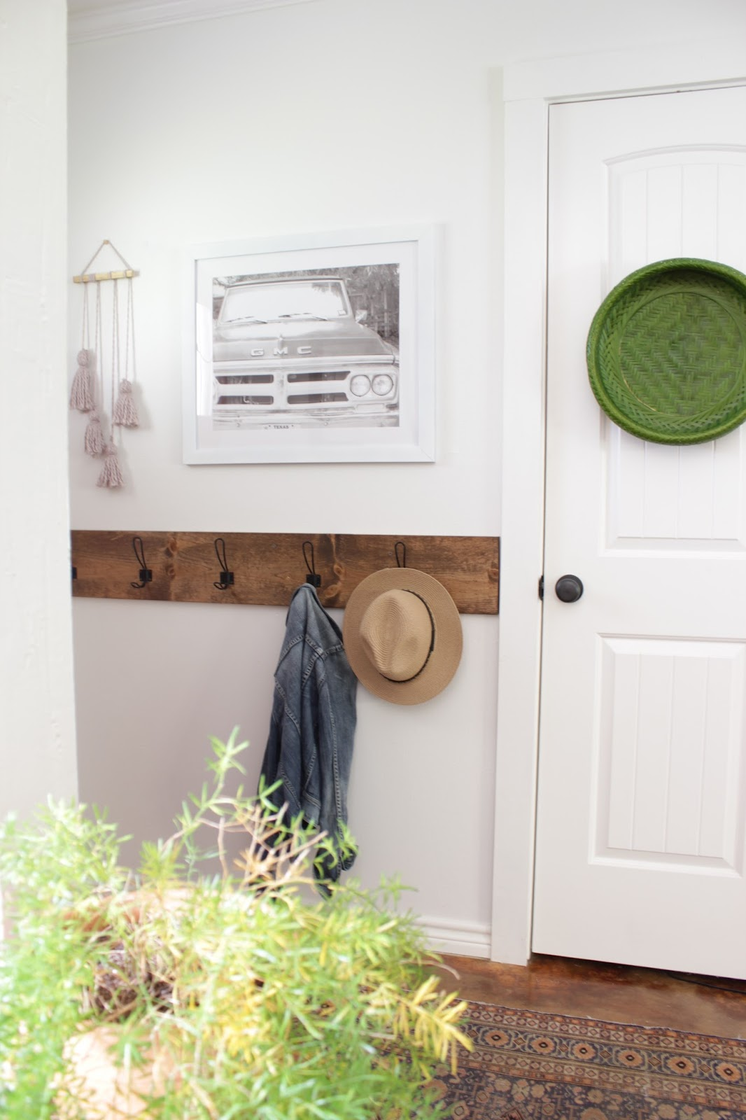 Simple tassel wall hanging