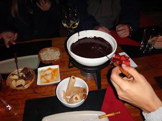 Sobremesa de foundie de chocolate do passeio ao El Refugio Arelauquen - Bariloche