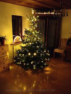 Weihnachtsbaum in der guten Stube