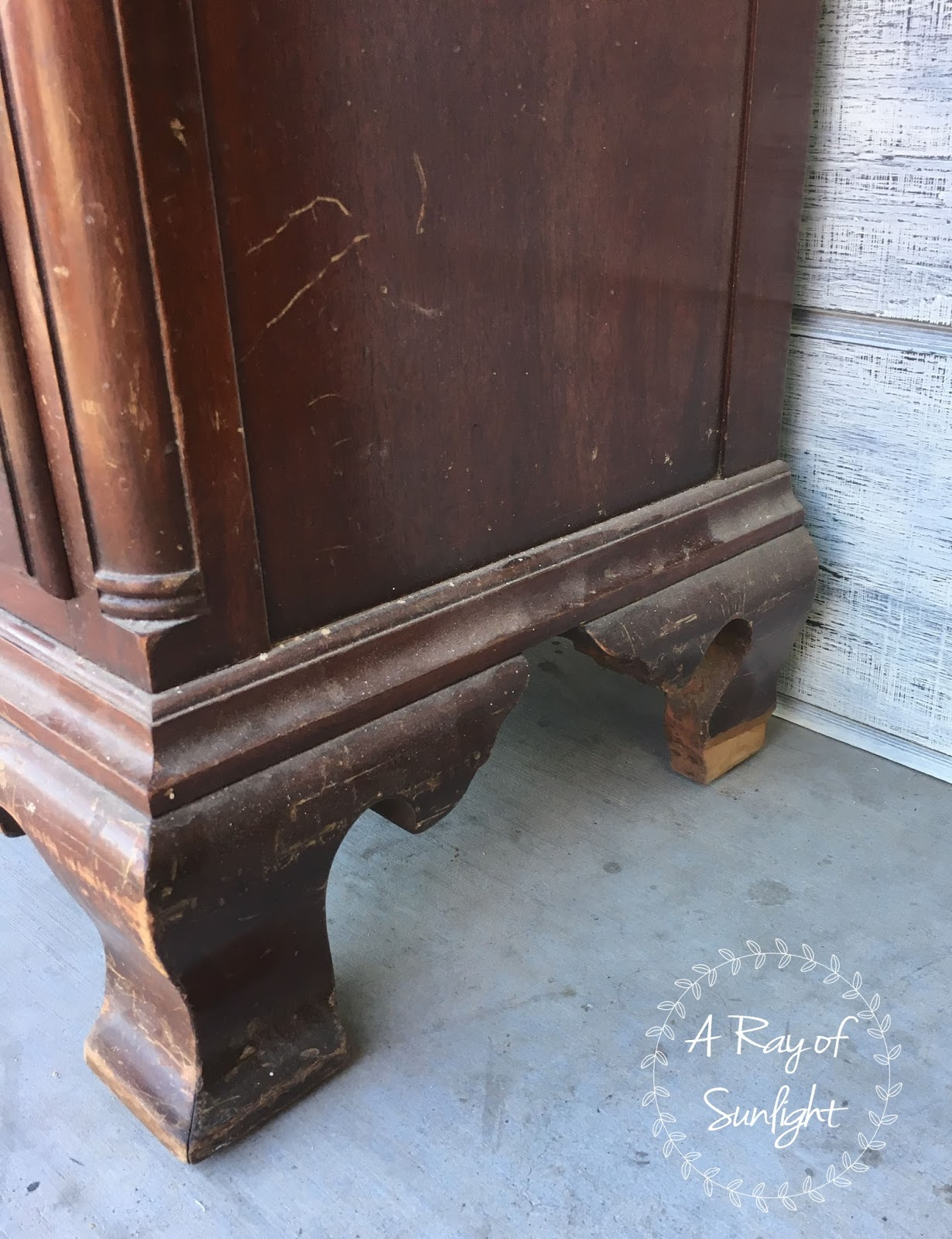 How to repair a broken leg on a vintage nightstand. I love updating family heirlooms, and furniture passed down in the family. This is a great way to update it instead of throwing it in the garbage.