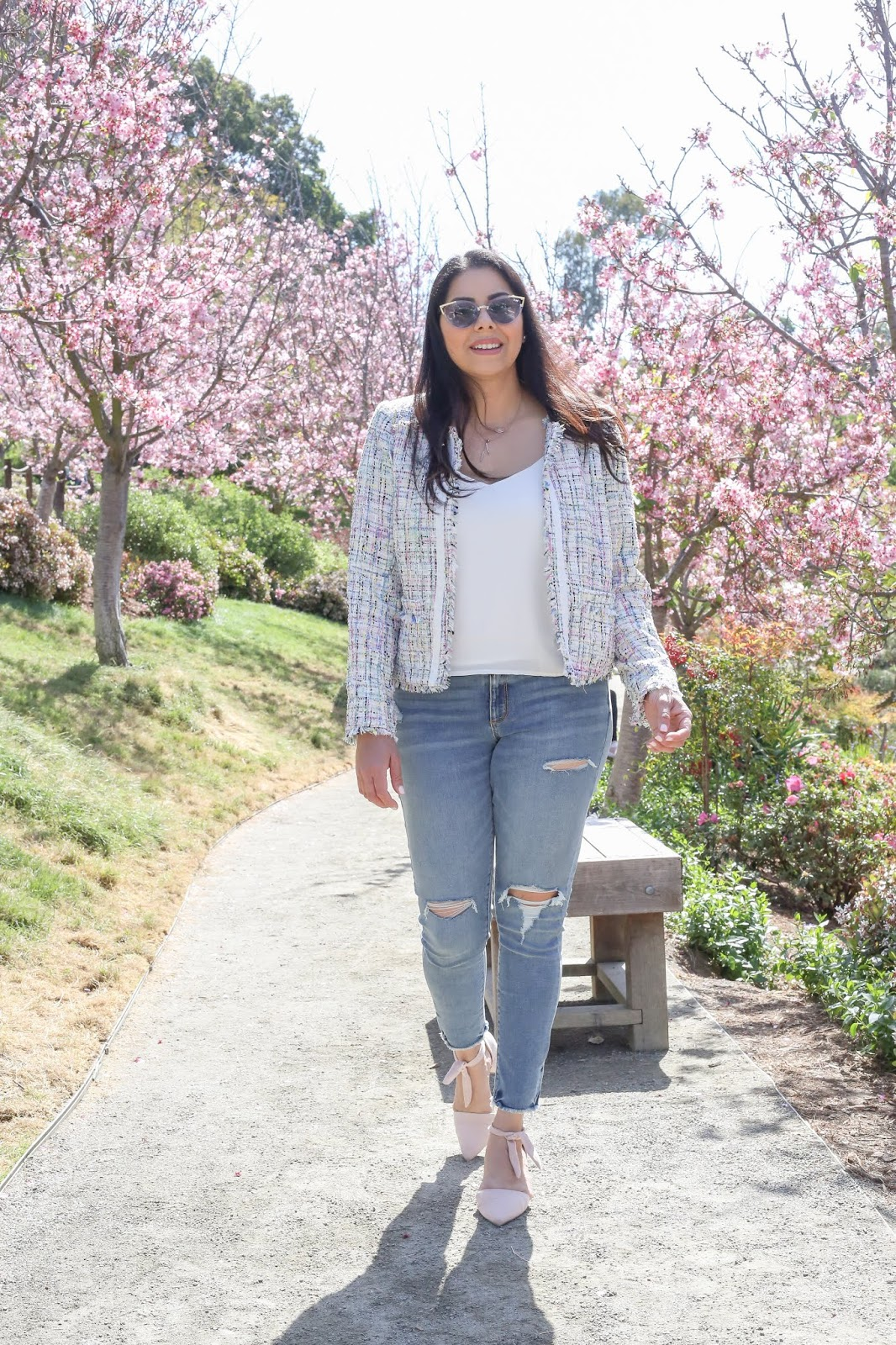 how to wear pastels in 2019, casual spring outfit with jeans