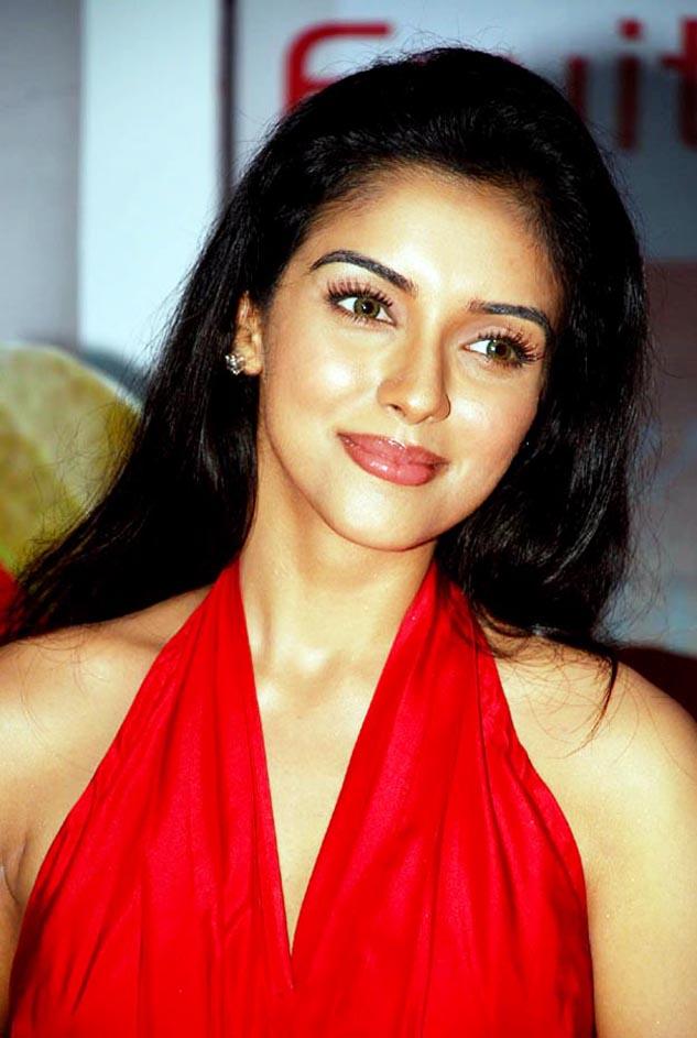 Cute Arpitha Enny in Half Saree - Ragalahari Exclusive