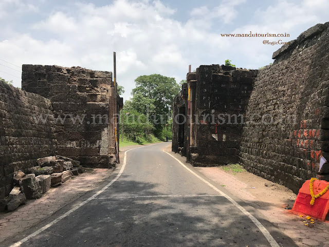 Information about bhangi darwaza