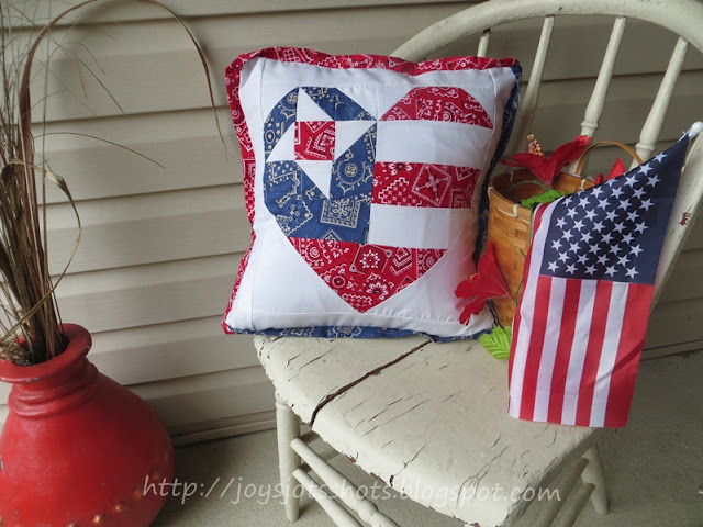 https://joysjotsshots.blogspot.com/2013/07/old-glory-star-pillow.html