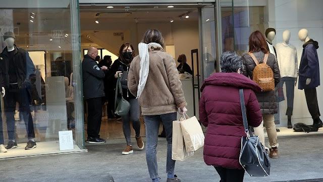 Παράταση της χειμερινής εκπτωτικής περιόδου ζητούν οι έμποροι