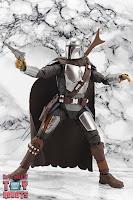 S.H. Figuarts The Mandalorian (Beskar Armor) 29