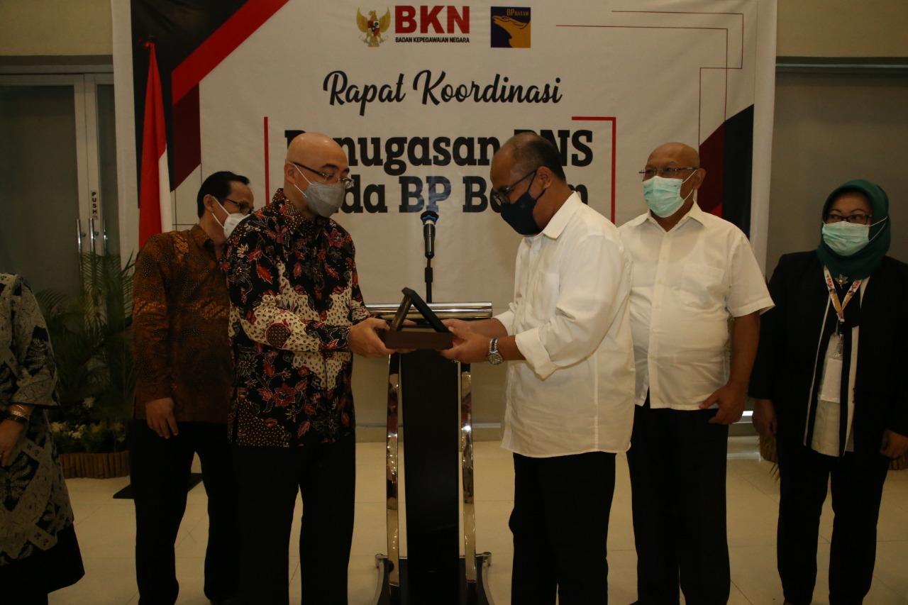 BP Batam Terima SK Penugasan PNS Dari Perwakilan Kepala Biro SDM dari 24 Kementerian/Lembaga