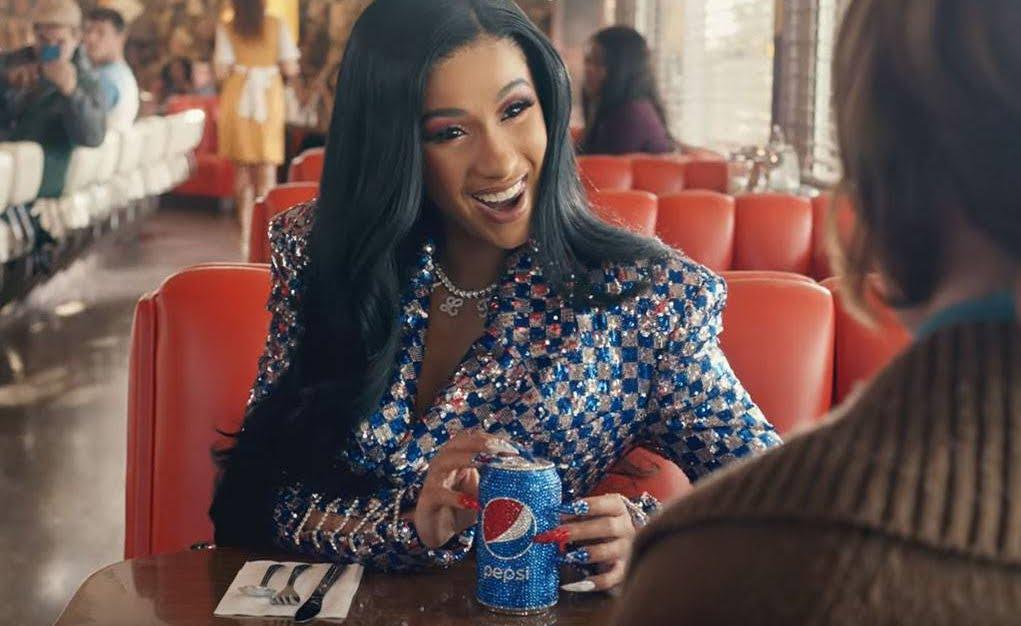 Video Anteprima pubblicità Cardi B al Super Bowl.