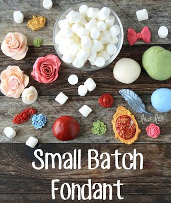http://www.lilaloa.com/2016/04/small-batch-fondant-recipe.html