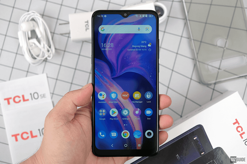 TCL 10 SE's 6.52 display with HD+ resolution