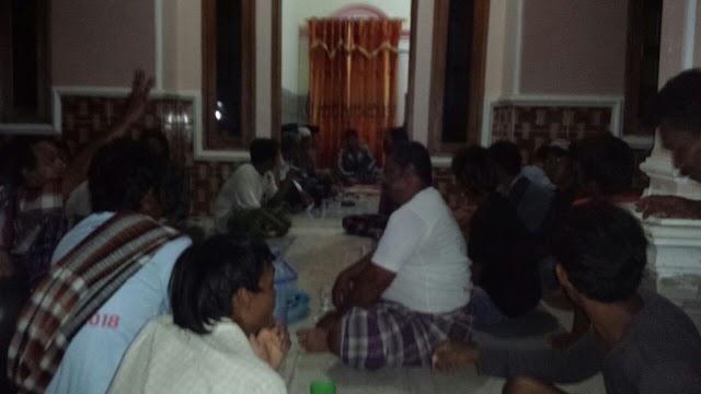 Warga Cemara Wetan Buat Kontrak Politik Dengan Para Kandidat Calon Kuwu