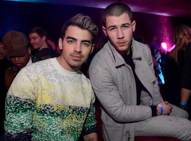 Nick y Joe Jonas reaccionan ante las nominaciones de los MTV VMAs