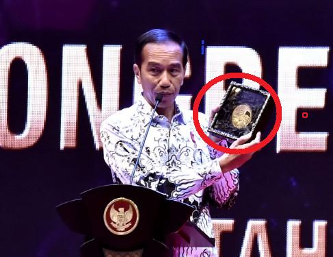 SAH ! Jokowi Resmi Prioritaskan Guru Honorer Yang Sudah Lama Mengabdi Jadi PNS Tanpa TES