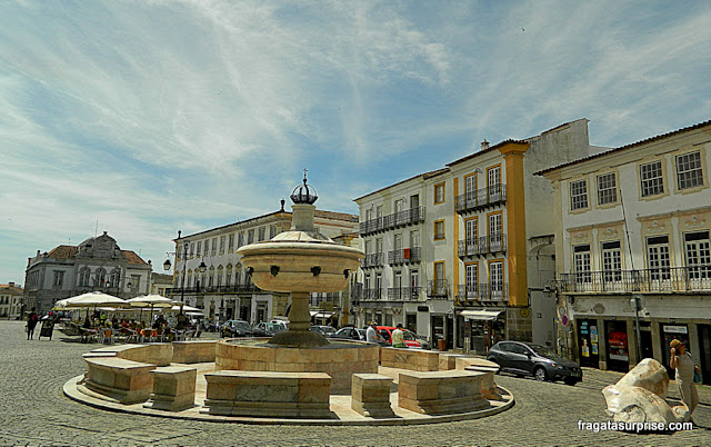 Praça do Giraldo, Évora, Portugal