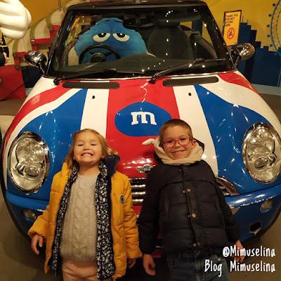Tienda M&M Londres ideal visita infantil con niños Londres qué visitar viaje a Londres con niños blog mimuselina