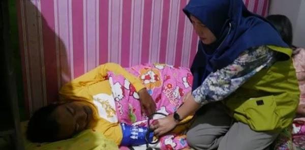 Korban Banjir Di Pengungsian Mulai Terserang Penyakit