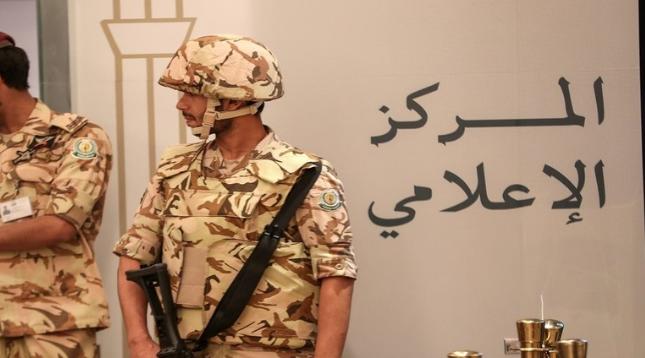 السعودية تضبط عصابة لتهريب الأموال إلى الخارج
