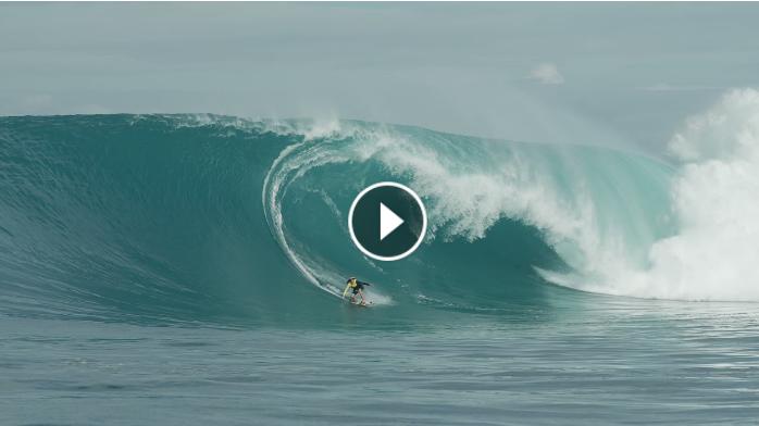 Justine Dupont Goes Right at Tahiti Friday August 13 2021