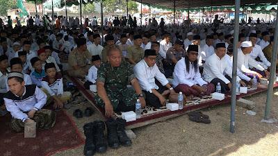 Danramil 03/ Bandongan Hadiri Peringatan Hari Santri  Nasional Di Lapangan Bandongan