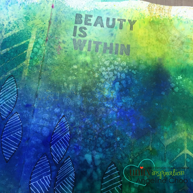 ScrappyScrappy: Beauty is within {art journal} #scrappyscrappy #unitystampco #stamp #smak #tcwstencil #stencil #dylusions #artjournal